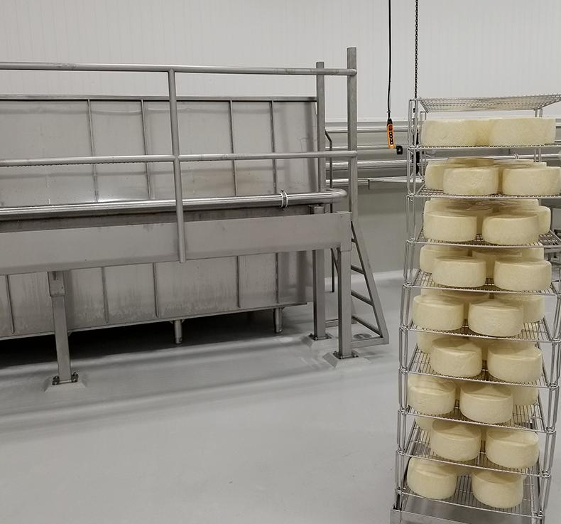 Abbaye Saint-Benoît-du-Lac, fabrication des fromages, étape 6